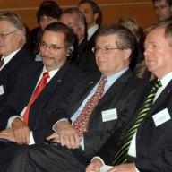 V.r.nl.: S.E. Dr. Sándor Peisch, S.E. Hans Peter Schiff, Ministerpräsident Matthias Platzeck, Prof. Dr. Mathias Jopp.