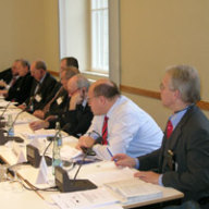 Panel (v. r. n. l.): Prof. Dr. Ingolf Pernice; Peter Altmaier; Sen. Lamberto Dini; Dr. Franco Tato, Jo Leinen; Prof. Carlo Secchi; Joscha Schmierer; Prof. Angelo Maria Petroni