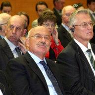 V.l.n.r.: Dr. Werner HOYER, Dr. János MARTONYI, Prof. Dr. Mathias JOPP, Gabriel A. BRENNAUER