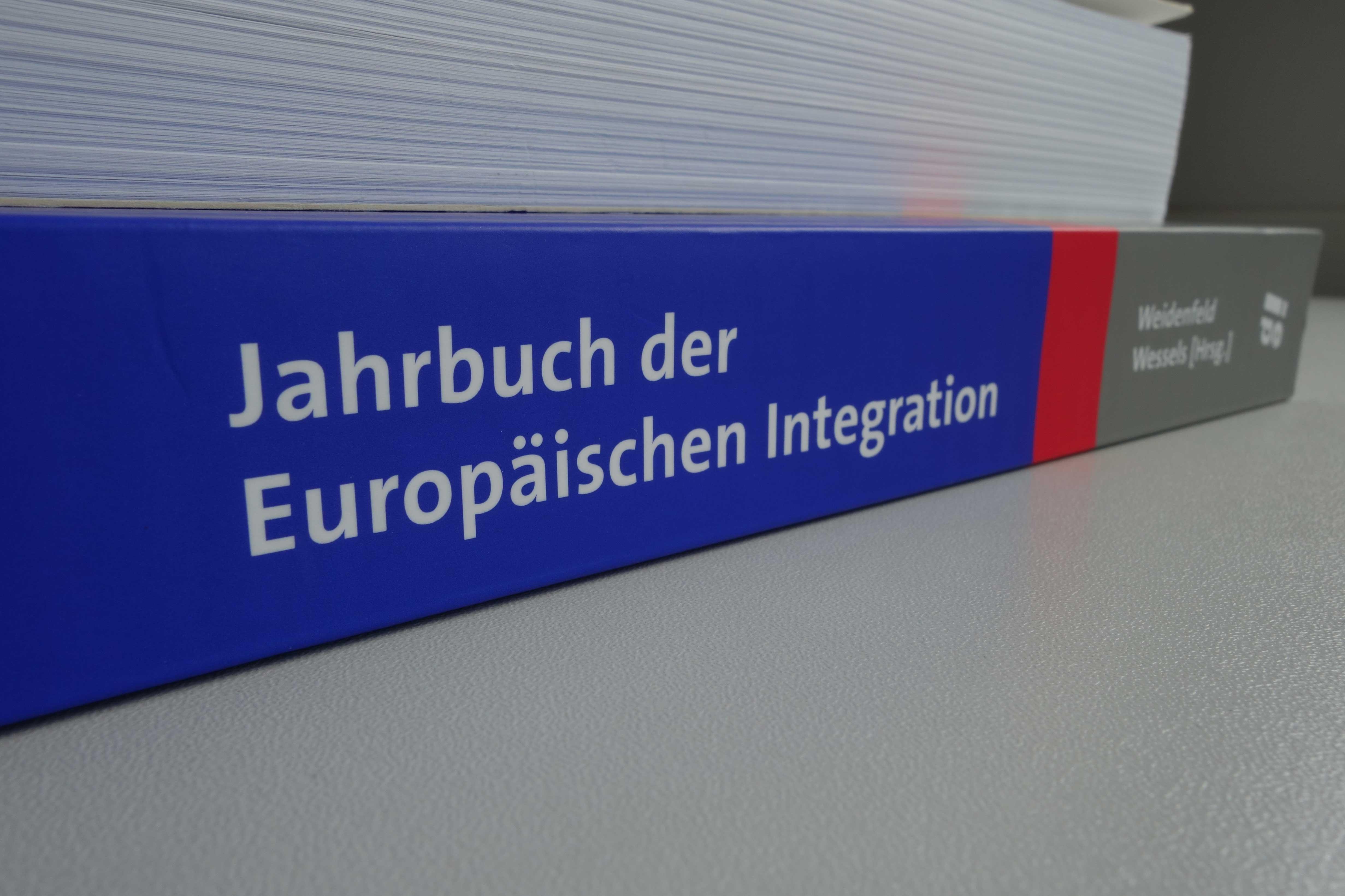 """Jahrbuch der Europäischen Integration 2016"""" erscheint im Dezember ..."""